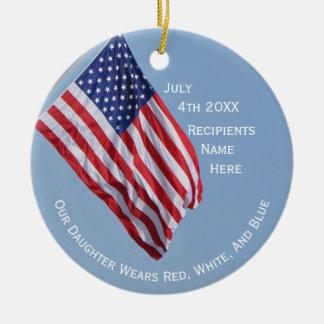 Ornamento De Cerâmica Nossa filha veste branco vermelho e o azul o 4 de