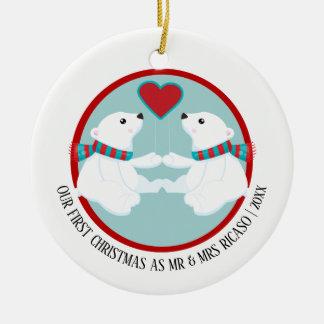 Ornamento De Cerâmica Nosso urso polar do primeiro Natal personalizado