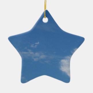 Ornamento De Cerâmica nuvens azuis escuro do branco do céu