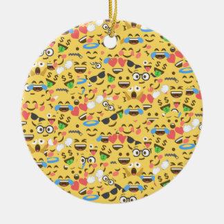 Ornamento De Cerâmica o amor bonito do emoji ouve o teste padrão do riso