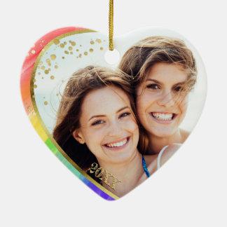 Ornamento De Cerâmica O amor do arco-íris & da foto LGBT é aguarela do