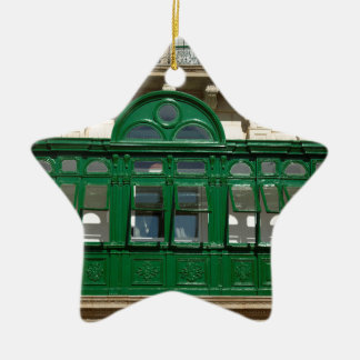 Ornamento De Cerâmica O balcão verde