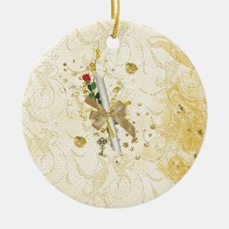 Ornamento De Cerâmica O diploma da graduação, chave, pontos, videira,