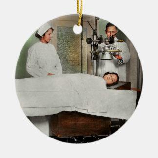 Ornamento De Cerâmica O doutor - raio X - que obtem minha cabeça