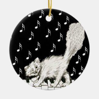 Ornamento De Cerâmica O gato branco macio que anda no piano fecha notas