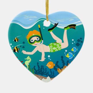 Ornamento De Cerâmica O nadador do menino tem uma festa de aniversário
