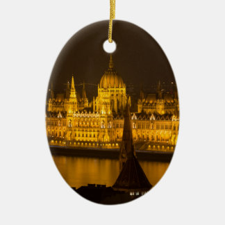 Ornamento De Cerâmica O parlamento húngaro Budapest em a noite