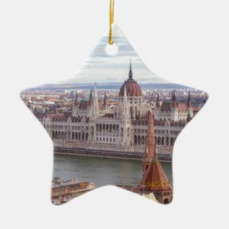 Ornamento De Cerâmica O parlamento húngaro Budapest em o dia