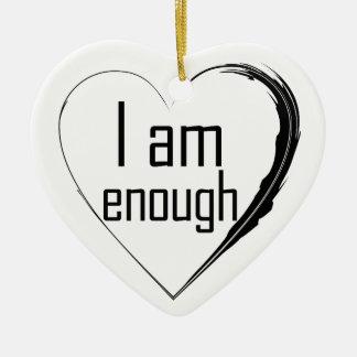 Ornamento De Cerâmica o preto emplumou-se o coração 'que eu sou enough