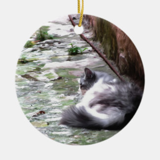 Ornamento De Cerâmica O sono macio do gato agacha-se no assoalho