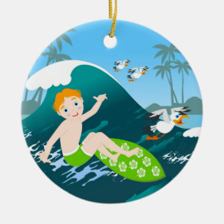 Ornamento De Cerâmica O surfista do menino tem uma festa de aniversário