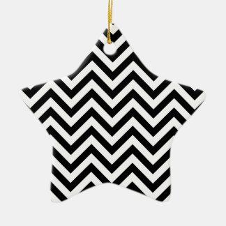 Ornamento De Cerâmica O ziguezague preto e branco listra o teste padrão