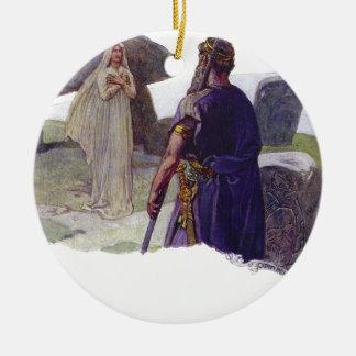 Ornamento De Cerâmica Odin na frente de um Völva