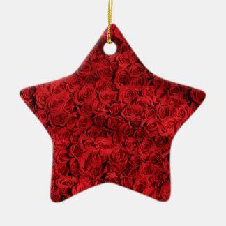 Ornamento De Cerâmica Os rosas doces são vermelhos