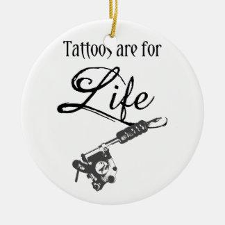 Ornamento De Cerâmica Os tatuagens são para a arte corporal da arma do