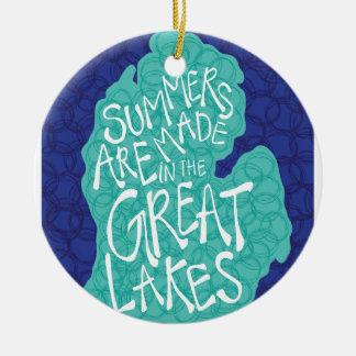 Ornamento De Cerâmica Os verões são feitos nos grandes lagos - azul