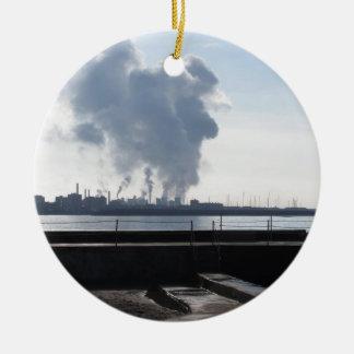 Ornamento De Cerâmica Paisagem industrial ao longo da costa