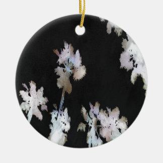 Ornamento De Cerâmica Palmas tropicais no fundo preto