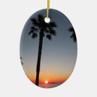 Ornamento De Cerâmica Palmeiras no por do sol