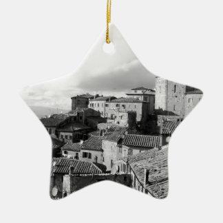 Ornamento De Cerâmica Panorama da vila de Volterra, província de Pisa