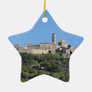 Ornamento De Cerâmica Panorama da vila de Volterra, Toscânia, Italia