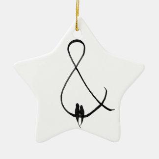 Ornamento De Cerâmica Pássaros do amor em um ampersand