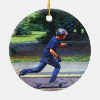 Ornamento De Cerâmica Pegarando a velocidade - skater