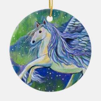 Ornamento De Cerâmica Pegasus na luz do norte