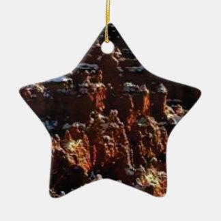 Ornamento De Cerâmica penhascos da rocha vermelha da neve
