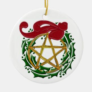 Ornamento De Cerâmica Pentacle de Yule, grinalda & arco vermelho -