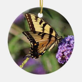 Ornamento De Cerâmica Perfil oriental da borboleta do swallowtail do