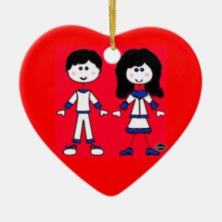 Ornamento De Cerâmica Pessoas da vara da menina e do menino