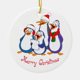 Ornamento De Cerâmica Pinguins da Ornamento-Feliz do Natal
