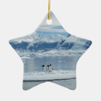 Ornamento De Cerâmica Pinguins em um iceberg