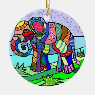 Ornamento De Cerâmica Pintura folcloristic do elefante das cores