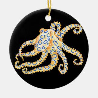 Ornamento De Cerâmica Polvo azul do anel no preto