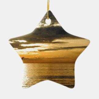 Ornamento De Cerâmica por do sol pacífico dourado