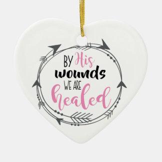 Ornamento De Cerâmica Por suas feridas nós somos curados