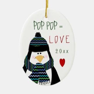 Ornamento De Cerâmica Presente do Natal do pinguim do POP do POP do amor