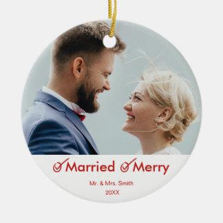 Ornamento De Cerâmica Primeira do Natal foto casado e da feliz |