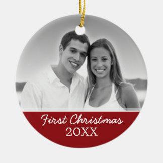 Ornamento De Cerâmica Primeira foto do Natal - o solteiro tomou partido