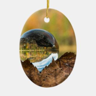 Ornamento De Cerâmica Queda em uma bola
