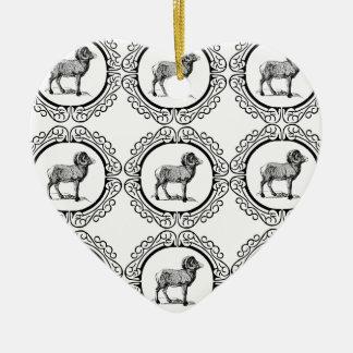 Ornamento De Cerâmica ram em um círculo