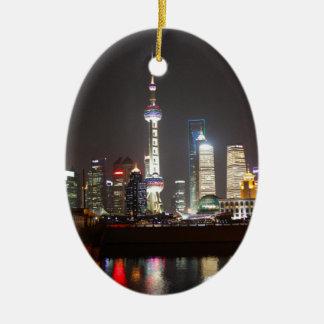 Ornamento De Cerâmica Reflexões de Shanghai na noite