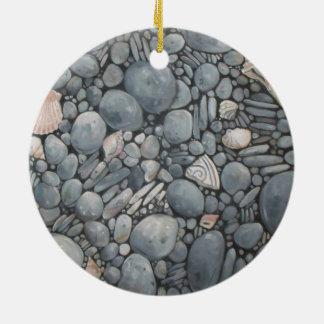 Ornamento De Cerâmica Rio das rochas dos seixos da praia