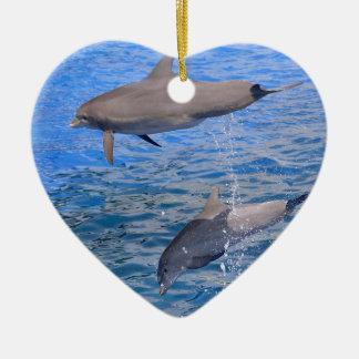Ornamento De Cerâmica Saltar dos golfinhos da água