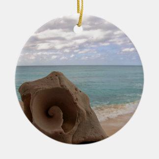 Ornamento De Cerâmica Seashell tropical da praia do Natal