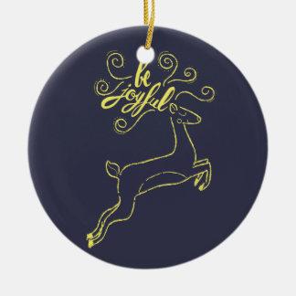 """Ornamento De Cerâmica """"Seja"""" azuis marinhos alegres do Natal dos cervos"""
