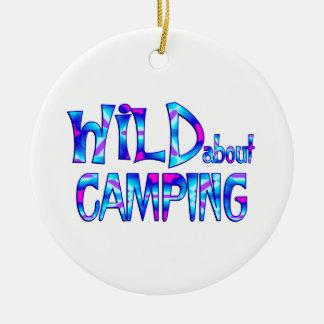 Ornamento De Cerâmica Selvagem sobre o acampamento