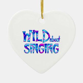 Ornamento De Cerâmica Selvagem sobre o canto